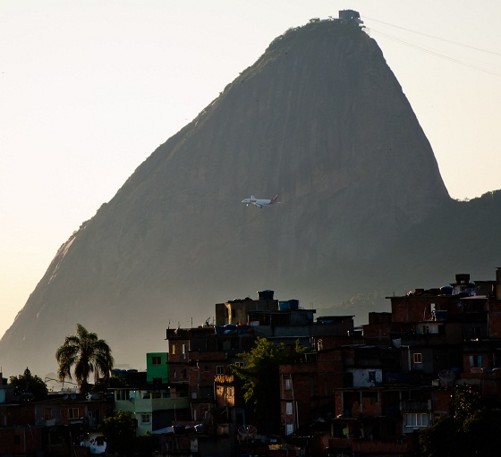 Plane and Pão de Açucar