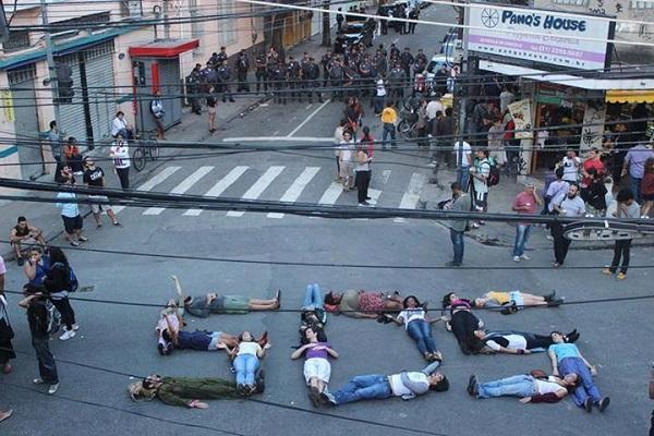 Brazil-protesters-SOS